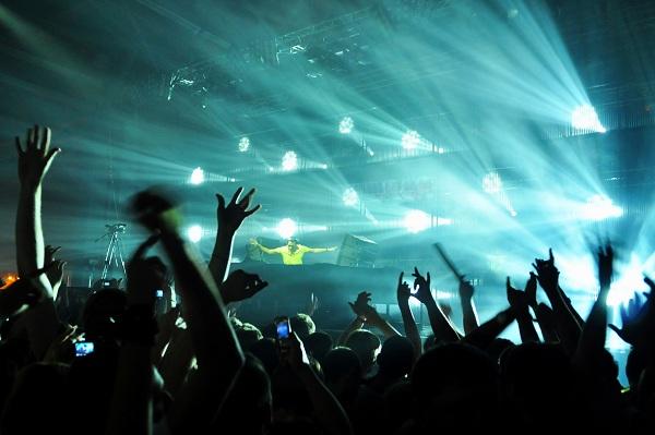 techno-party-shutterstock_65675167-600